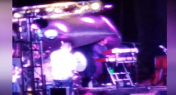 Stage light crashes down during Tracy Byrd's performance at Brazoria County Fair, injuring band member